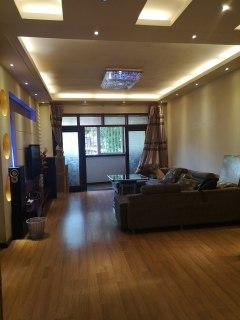 沈阳路添阳小区3室2厅2卫120m²精装修